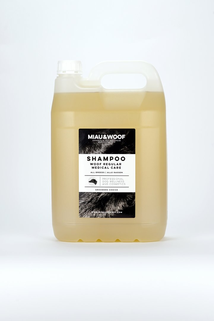 SHAMPOO WOOF REGULAR MEDICAL CARE Kanister